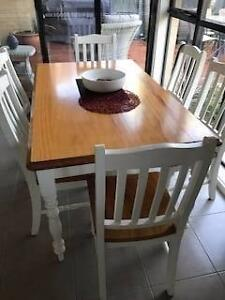 Dining Table - Country / Provincial Style  (Aspendale Gardens) Aspendale Gardens Kingston Area Preview