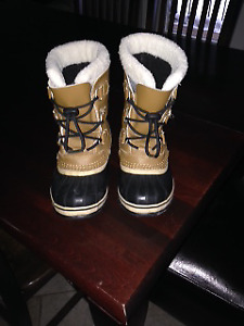 Sorel Winter Boots Size 3