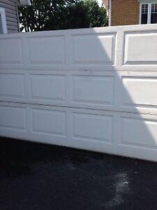 Porte de garage 9' X 7'