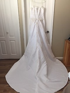 Sweetheart Gown Size 12 wedding gown