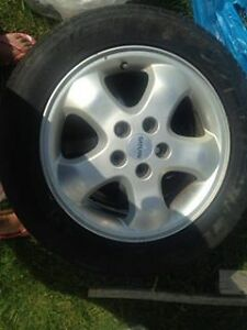 4 mags 205/60R16 saturn