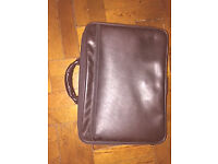 Laptop leather carrying case