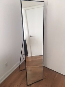 Stand-up Mirror