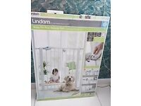 BRAND NEW Lindam easy fit plus deluxe tall baby gate