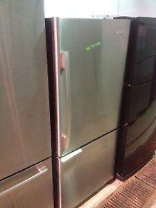 Magasin Electromax Réfrigérateurs stainless reconditionnés