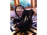 Maxi Cosi car seat and Isofix base