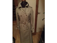 Ladies Iconic Vintage Burberry Mac-Excellent Condition-Collection Only