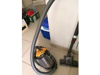 Dyson vacuum cleaner / root cyclone technology crazy price 49POUNDS
