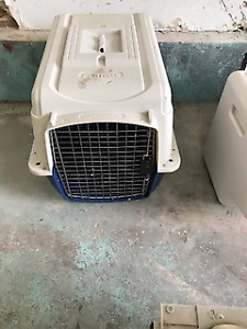 Small Dog pet crate