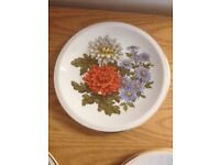 Leonardo Collection Wall plates - pretty flowers £4 each or £12 for the 4 plates - cyncoed