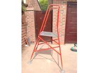 Henchman Ladder