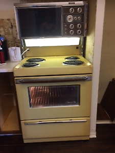 Stove with Rottiserie oven