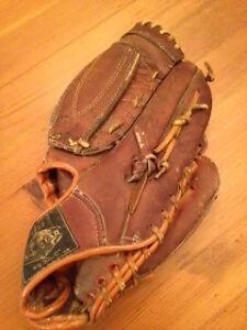 RH Baseball Glove