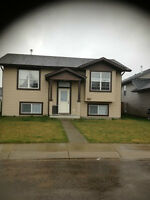 OPEN CONCEPT 3 BEDROOMS FULL HOUSE IN LONSDALE RED DEER