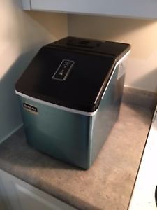 28 Pound Portable Ice Maker