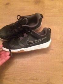 Nike Trainers Boys Size 4