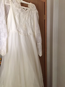 Large Size Wedding Dress and Head Piece