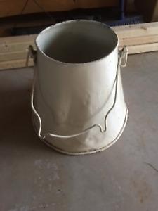 unique bucket