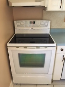 Working, well maintained Whirlpool Stove (2007)