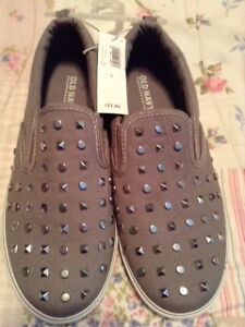 NEW Girl's Shoes (Youth Size 5)