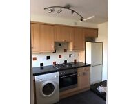 Gorgeous 2 bed Garden Flat to Let just off Stoke Poges Lane, walking distance to Slough Station.
