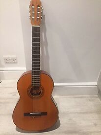 Classical guitar ideal for beginner
