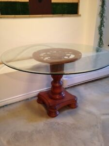 Table en vitre super belle