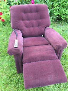 "LIFT / RECLINER CHAIR - ELECTRIC - ""PRIDE"" BRAND"