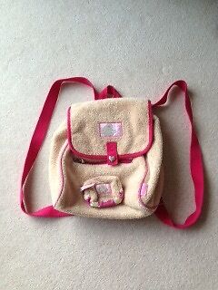 Cute backpackin Cults, AberdeenGumtree - Cute fluffy backpack with adjustable sturdy shoulder straps Two zipped large pockets Cute zipped matching purse Used only once