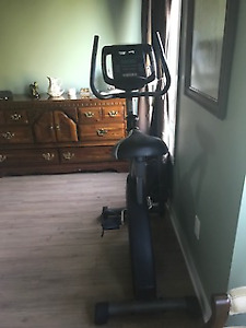 GOLD GYMN EXERCISE BIKE - EXCELLENT CONDITION