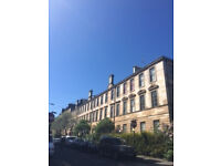 Spacious 4 bedroom, tenement flat for rent in Glasgow's West End, Bank Street. (Non HMO)