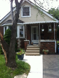 Westdale ( Students) 2 Bdrm May-Aug 2018