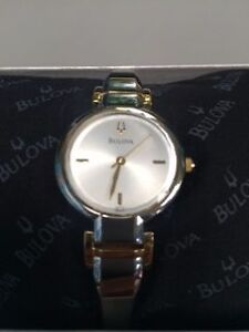 New Woman's BULOVA watch  / Montre BULOVA pour Femme West Island Greater Montréal image 1