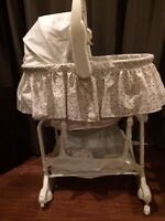 First Years 5-in-1 convertable bassinet