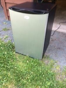 Stainless steel bar fridge in excellent condition