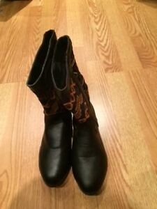 Girls' fall/winter boots size 6 West Island Greater Montréal image 1