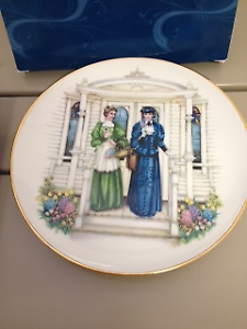 Mrs. Albee Plate 2009-2010 - by Avon