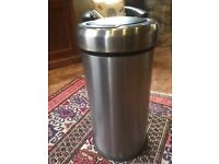 Brabantia kitchen bin, stainless steel with removable black inner bucket