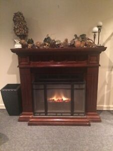 WOODEN MANTEL, REAL FLAME ELECTRIC FIREPLACE