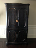 ARMOIRE - HOOKER FURNITURE ENTERTAINMENT ARMOIRE