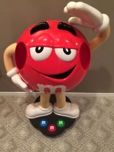 Large M&M'S STORE DISPLAYS