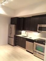 GROUND LEVEL 2 BED+DEN (CAN BE USED AS 2ND BED) W/PARKING $1999!