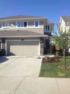 Gorgeous 1/2 Duplex for July 1
