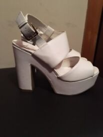Ladies size 4 heels