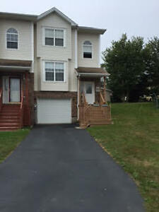 End Unit Town House Dartmouth - May 1st!