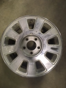 2007 Mercury Grand Marquis Rims (3 available)