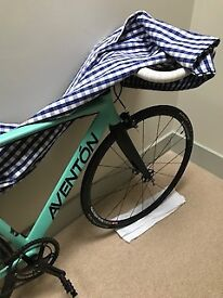 Beautiful new bespoke Aventon fixie fully loaded - giveaway price £450 (cost to me £800 14mths ago)