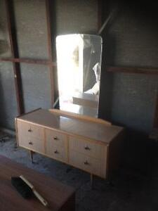 Dressing table Yokine Stirling Area Preview