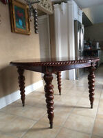Bombay solid wood table