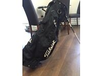 Titlelist Golf Bag with stand and shoulder straps